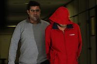 SÃO PAULO, SP, 28.05.2015 - CRIME-SP - O menor de 16 anos suspeito de envolvimento no atropelamento e morte da universitária Natália Costa de Morais Félix, 21 anos, durante tentativa de assalto na zona sul de São Paulo, no último dia 24, foi detido por policiais junto com seu comparsa, de 19 anos, nesta quinta-feira. A estudante foi atropelada pelos ladrões após eles terem roubado pertences dela e da avó. Após levarem objetos que estavam no carro das vítimas, os bandidos voltaram ao carro em que estavam, que era roubado, e fugiram pelo lado direito da avenida, passando por cima de Natália, que ainda estava deitada. Segundo a polícia, a estudante morreu na hora. (Foto: Marcos Moraes / Brazil Photo Press)
