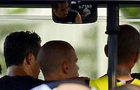 SÃO PAULO,SP,28 FEVEREIRO 2013 - TREINO CORINTHIANS Douglas durante treino do Corinthians no CT Joaquim Grava, no Parque Ecologico do Tiete, zona leste de Sao Paulo, na tarde desta segunda feira. O time se prepara para o jogo  contra o Santos  em Sao Paulo valido pela primeira 10 rodada do paulistao 2013. FOTO ALAN MORICI - BRAZIL FOTO PRESS