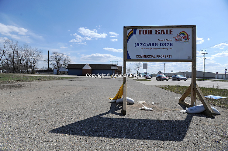 A closed RV dealership on Nappannee Street in Elkhart, Indiana on April 8, 2009.  The city has seen a dramatic increase in unemployment in the last year from 4.5% to 20% as RV dealerships and manufacturers shed jobs with the onset of the global economic recession and the precarious nature of the American auto and housing markets.