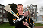 Kilkenny hurler Henry Shefflin with Centra retailer at the Centra conference in Killarney 2012..Picture by Don MacMonagle.