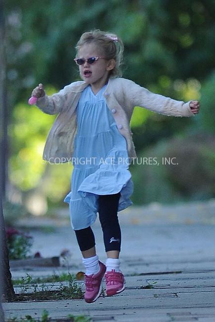 WWW.ACEPIXS.COM . . . . . ....October 11 2009, Boston....Actress Jennifer Garner's daughter Violet Affleck seen near thier home on October 11 2009 in Boston, MA....Please byline: KRISTIN CALLAHAN - ACEPIXS.COM.. . . . . . ..Ace Pictures, Inc:  ..tel: (212) 243 8787 or (646) 769 0430..e-mail: info@acepixs.com..web: http://www.acepixs.com