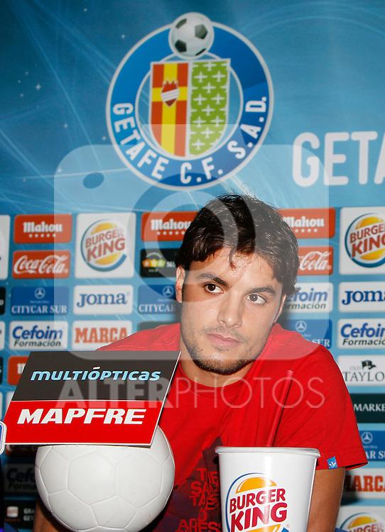 Madrid (01/09/2011).- Presentacion de Pedro Leon como nuevo jugador del Getafe S.A.D...©Alex Cid-Fuentes/ALFAQUI FOTOGRAFIA..
