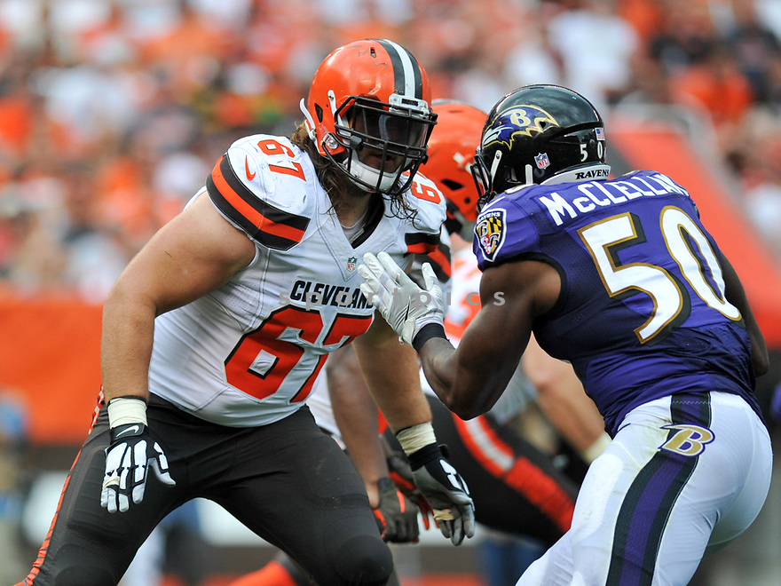 CLEVELAND, OH - JULY 18, 2016: Right tackle Austin Pasztor #67 of the Cleveland Browns prepares to engage linebacker Albert McClellan #50 of the Baltimore Ravens in the second quarter of a game on July 18, 2016 at FirstEnergy Stadium in Cleveland, Ohio. Baltimore won 25-20. (Photo by: 2017 Nick Cammett/Diamond Images)  *** Local Caption *** Austin Pasztor; Albert McClellan(SPORTPICS)