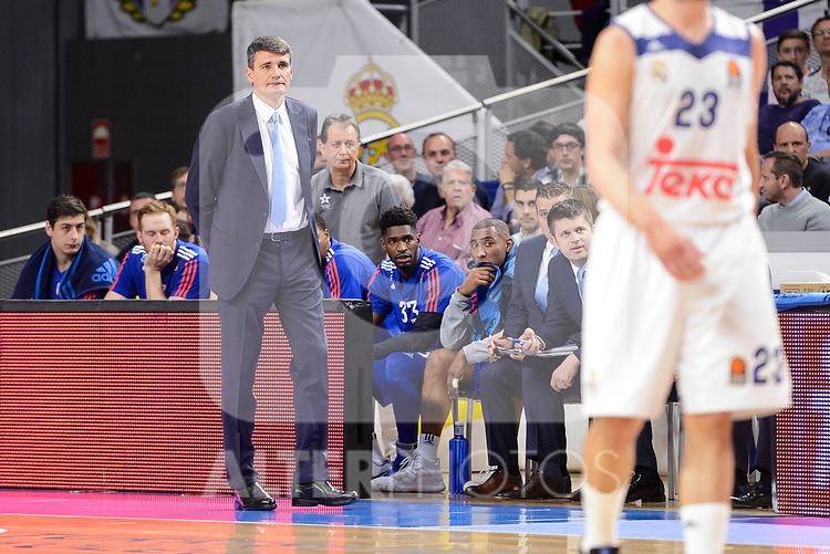 Anadolu Efes's coach Velimir Perasovic during Turkish Airlines Euroleague match between Real Madrid and Anadolu Efes at Wizink Center in Madrid, April 07, 2017. Spain.<br /> (ALTERPHOTOS/BorjaB.Hojas)