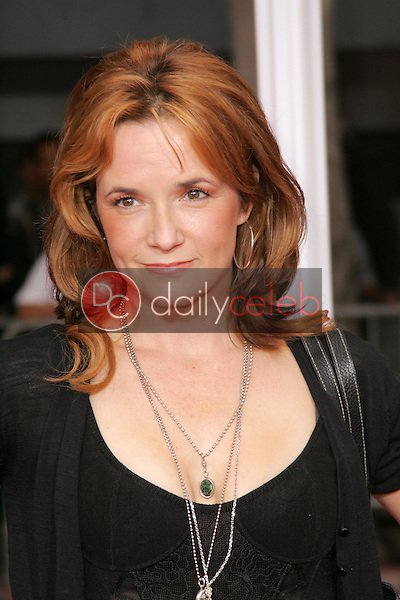 """Lea Thompson<br />at the premiere of """"The Legend of Zorro"""". Orpheum Theater, Los Angeles, CA. 10-16-05<br />Dave Edwards/DailyCeleb.com 818-249-4998"""