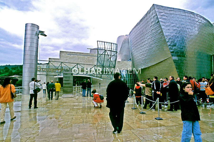 Museu Guggenheim em Bilbao, Espanha. 1998. Foto de Maristela Colucci.
