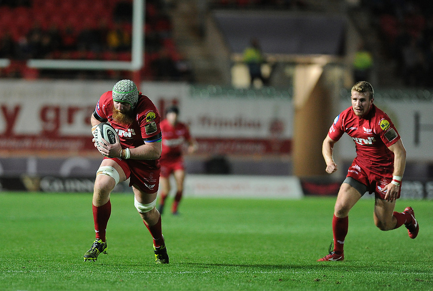 Scarlets' Jake Ball in action during todays match<br /> <br /> Photographer Ashley Crowden/CameraSport<br /> <br /> Guinness Pro14  Round 5 - Scarlets v Connacht Rugby - Friday 29th September 2017 - Parc y Scarlets - Llanelli<br /> <br /> World Copyright &copy; 2017 CameraSport. All rights reserved. 43 Linden Ave. Countesthorpe. Leicester. England. LE8 5PG - Tel: +44 (0) 116 277 4147 - admin@camerasport.com - www.camerasport.com
