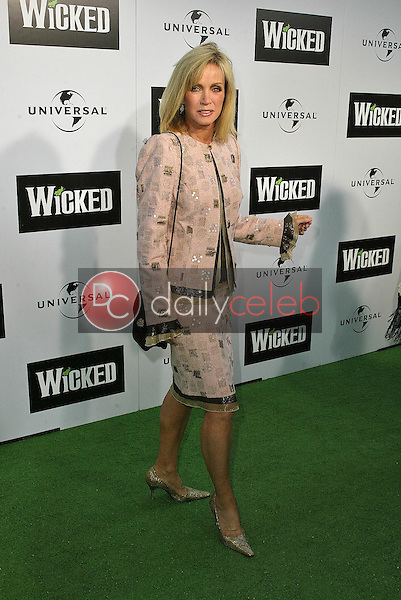 """Donna Mills<br /> at the LA Premiere of Universal's """"Wicked,"""" Pantages Theater, Hollywood, CA 06-22-05<br /> David Edwards/DailyCeleb.Com 818-249-4998"""