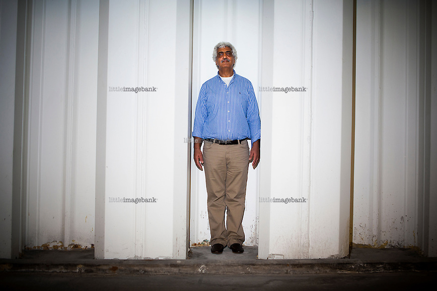 """Oslo, Norge, 20.08.2012. Palestinske Ali Ayad er en av hovedpersonene i boken """"Cliff Hotel"""" (av Yngvil Mortensen). Boken handler om Ayad-familiens kamp mot Israels konfiskering av hotellet deres. Foto: Christopher Olssøn."""
