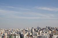 SAO PAULO, SP - 06.10.2015 - CLIMA-SP - Vista da cidade de São Paulo através do terraço do Edifício Copan na tarde desta quarta-feira (07). Clima segue com temperaturas acima dos 26º em toda a capital e sem previsão de chuva para esta tarde.(Foto: Fabricio Bomjardim / Brazil Photo Press)