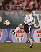 06 November,  2004. USWNT forward Mia Hamm (9) takes a first touch on the ball  at  Lincoln Financial Field in Philadelphia, Pa.