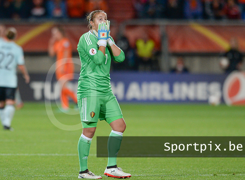 20170724 - TILBURG , NETHERLANDS : Belgian Team with Justien Odeurs pictured looking dejected and disappointed after losing the female soccer game between the Belgian Red Flames and The Netherlands , the third and decisive game in group A at the Women's Euro 2017 , European Championship in The Netherlands 2017 , monday 24 th June 2017 at Stadion Koning Willem II in Tilburg , The Netherlands PHOTO SPORTPIX.BE | DAVID CATRY