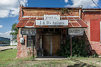 Abandoned antique shop in Buckholts, TX