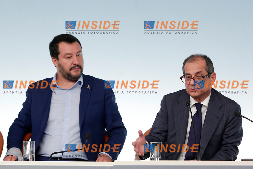 Matteo Salvini e Giovanni Tra<br /> Roma 15/10/2018. Consiglio dei Ministri sulla Manovra Economica DEF.<br /> Rome October 15th 2018. Minister's Cabinet about the Economic and Financial Document.<br /> Foto Samantha Zucchi Insidefoto