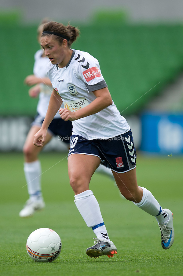 MELBOURNE, AUSTRALIA - DECEMBER 18: Jodie TAYLOR of the Victory runs with the ball during the round 7 W-League match between the Melbourne Victory and the Perth Glory at AAMI Park on December 18, 2010 in Melbourne, Australia. (Photo Sydney Low / asteriskimages.com)