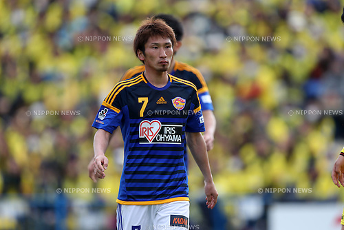 Hiroaki Okuno (Vegalta),<br /> MARCH 27, 2016 - Football / Soccer : 2016 J.League Yamazaki Nabisco Cup Group B match between Kashiwa Reysol 0-1 Vegalta Sendai at Hitachi Kashiwa Stadium in Chiba, Japan. (Photo by Jun Tsukida/AFLO SPORT)
