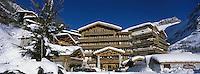 """Europe/France/73/Savoie/Val d'Isère: Hotel """"Les Barmes de l'Ours"""" devant la face Olympique de Bellevarde"""