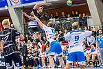 Nikola Bilyk, (THW Kiel #53) / Roethlisberger, Samuel (TVB Stuttgart #17) / TVB 1898 Stuttgart - THW Kiel / DHB Pokal Viertelfinale / HBL / 1.Handball-Bundesliga / SCHARRrena / Stuttgart Baden-Wuerttemberg / Deutschland beim Spiel im DHB Pokal Viertelfinale, TVB 1898 Stuttgart - THW Kiel.<br /> <br /> Foto © PIX-Sportfotos *** Foto ist honorarpflichtig! *** Auf Anfrage in hoeherer Qualitaet/Aufloesung. Belegexemplar erbeten. Veroeffentlichung ausschliesslich fuer journalistisch-publizistische Zwecke. For editorial use only.