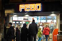 Nederland - Amsterdam - Januari 2019. Drukte bij de Febo aan de Reguliersbreestraat. Foto Berlinda van Dam / Hollandse Hoogte.