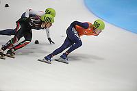 SHORTTRACK: DORDRECHT: Sportboulevard Dordrecht, 24-01-2015, ISU EK Shorttrack, Katrin MANOILOVA (BUL | #108), Lara VAN RUIJVEN (NED | #139), ©foto Martin de Jong