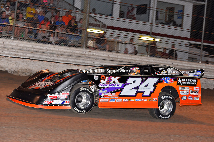 Feb 20, 2014; 6:59:01 PM;  Barberville, FL, USA;  World of Outlaws Late Model Series for 43rd Annual DIRTcar Nationals presented by Summit Racing Equipment at Volusia Speedway Park.  Mandatory Credit: (thesportswire.net)