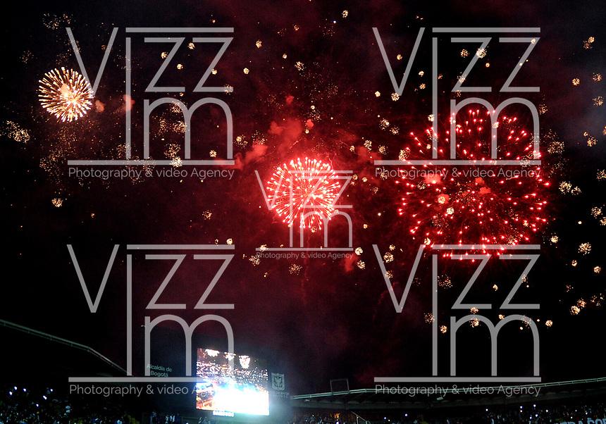 BOGOTÁ-COLOMBIA, 12-01-2020: Fuegos artificiales iluminan el cielo del Estadio Nemesio Camacho El Campín, durante la inauguración del Torneo ESPN 2020, que se juega en la ciudad de Bogotá. / Fireworks light up the sky of the Nemesio Camacho El Campín Stadium, during the inauguration of the ESPN 2020 Tournament, which is played in the city of Bogotá. / Photo: VizzorImage / Luis Ramírez / Staff.