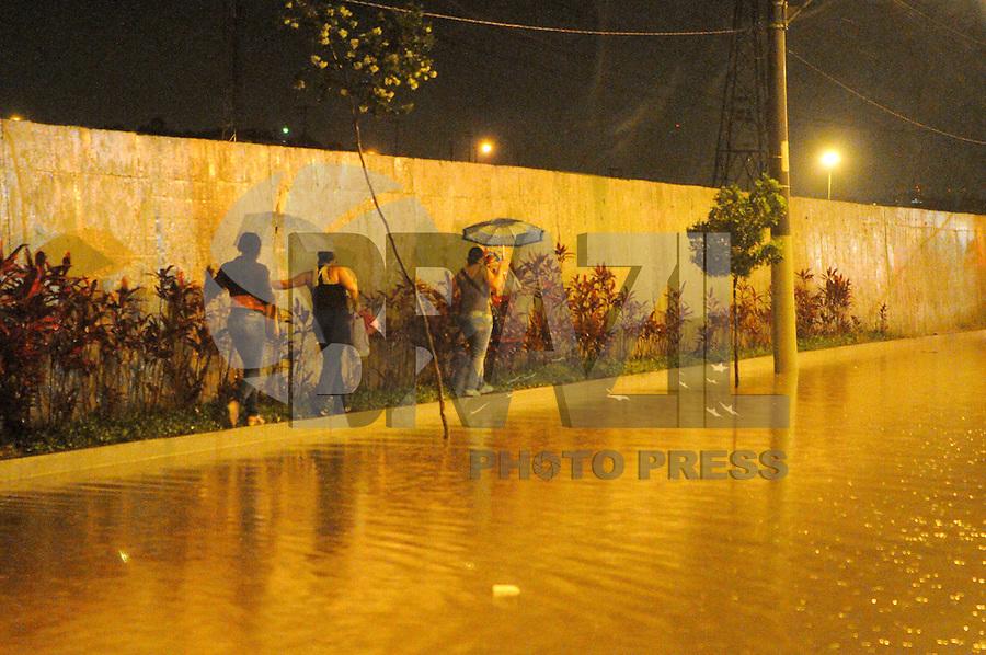 SAO Caetano do Sul, SP, 19 Janeiro 2012.Av Guido Alibert alagada  .  (FOTO: ADRIANO LIMA - NEWS FREE)
