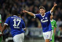 FUSSBALL   1. BUNDESLIGA  SAISON 2012/2013   7. Spieltag   FC Schalke 04 - VfL Wolfsburg        06.10.2012 Jefferson Farfan (li) und Klaas Jan Huntelaar (re, beide FC Schalke 04) jubeln nach dem Tor zum 1:0