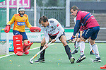 AMSTELVEEN - Boris Burkhardt (Adam) met Enzo Torossi (HCKZ)   tijdens de hoofdklasse competitiewedstrijd mannen, Amsterdam-HCKC (1-0).  COPYRIGHT KOEN SUYK