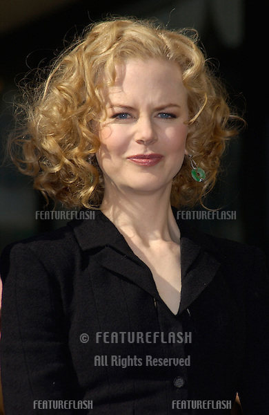 Actress NICOLE KIDMAN on Hollywood Boulevard where she was honored with a star on the Hollywood Walk of Fame..13JAN2003 © Paul Smith / Featureflash