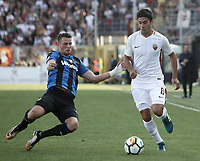 Calcio, Serie A: Bergamo, 20 agosto 2017. <br /> Roma's Diego Perotti (r) in action with Atalanta's Hans Hateboer (l) during the Italian Serie A football match between Atalanta and Roma at Bergamo's Atleti Azzurri d'Italia stadium. August 20, 2017.<br /> UPDATE IMAGES PRESS/Isabella Bonotto