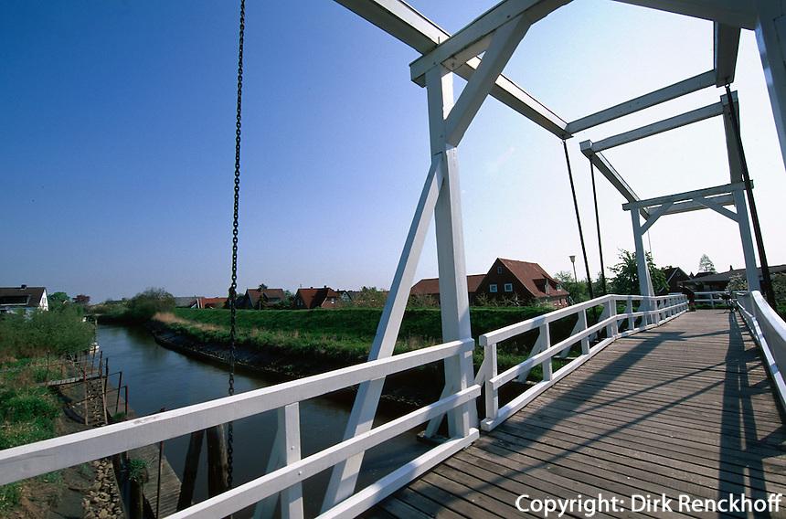 Deutschland, Niedersachsen, Altes Land, Hogendiekbrück in Steinkirchen, Brücke über die Lühe