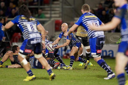 08.04.2016. AJ Bell Stadium, Salford, England. European Champions Cup. Sale versus Montpellier. Sale Sharks scrum-half Peter Stringer passes the ball.