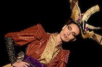 SAO PAULO, SP, 24 DE JANEIRO DE 2012 - SPFW DESFILE ANDRE LIMA - Modelo durante desfile da grife Andre Lima, no ultimo dia da Sao Paulo Fashion Week (SPFW), colecao outono/inverno 2012, na Bienal do Ibirapuera na regiao sul da capital paulista nessa terça-feira (24). (FOTO: ALEXANDRE MOREIRA - NEWS FREE).