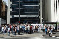 SAO PAULO, SP, 06.12.2013 - CENA DO DIA - Petrobrás realiza simulação de situação de emergência com fuincionários, em prédio na Avenida Paulista, região central da capital, na manhã desta sexta feira, 06.  (Foto: Alexandre Moreira / Brazil Photo Press)