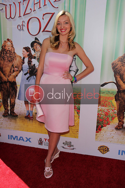 """Joell Posey<br /> at """"The Wizard Of Oz 3D"""" World Premiere Screening and Grand Opening of the TCL Chinese IMAX Theater, Chinese Theater, Hollywood, CA 09-15-13<br /> David Edwards/DailyCeleb.com 818-249-4998"""