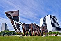 Edifício Centro Administrativo e Ponte dos Açorianos, na cidade de Porto Alegre. Rio Grande do Sul. 2008. Foto de Juca Martins.