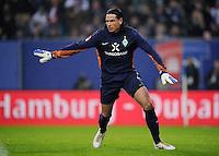 FUSSBALL   1. BUNDESLIGA   SAISON 2011/2012   22. SPIELTAG Hamburger SV - Werder Bremen       18.02.2012 Torwart Tim Wiese (SV Werder Bremen)
