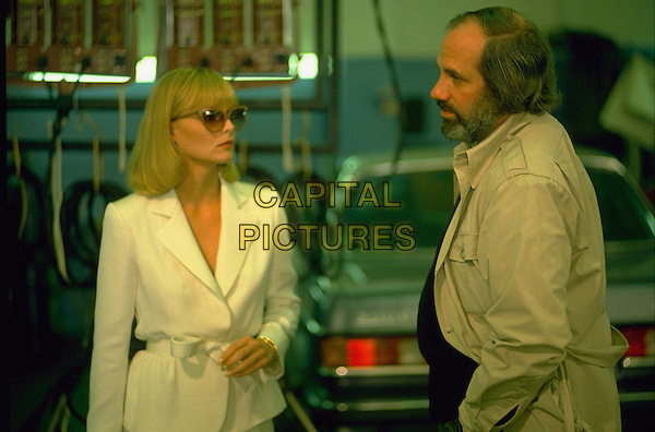 MICHELLE PFEIFFER & BRIAN DE PALMA (DIRECTOR).on the set of Scarface.Filmstill - Editorial Use Only.Ref: FB.sales@capitalpictures.com.www.capitalpictures.com.Supplied by Capital Pictures.