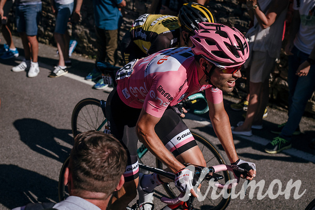 Maglia Rosa / overall leader Tom Dumoulin (NED/Sunweb) up the final steep climb towards the Citt&agrave; Alta in Bergamo<br /> <br /> Stage 15: Valdengo &rsaquo; Bergamo (199km)<br /> 100th Giro d'Italia 2017