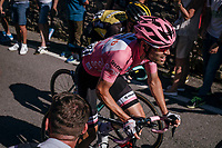 Maglia Rosa / overall leader Tom Dumoulin (NED/Sunweb) up the final steep climb towards the Città Alta in Bergamo<br /> <br /> Stage 15: Valdengo › Bergamo (199km)<br /> 100th Giro d'Italia 2017