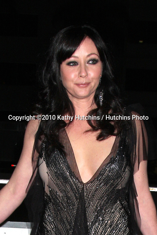 Shannen Doherty .arriving at the 3rd Annual Art of Elysium Gala.Rooftop of Parking Garage across from Beverly Hilton Hotel.Beverly Hills, CA.January 16, 2010.©2010 Kathy Hutchins / Hutchins Photo....