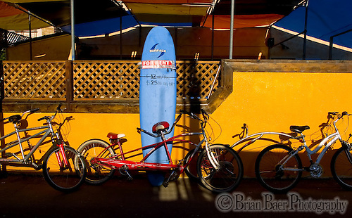 Bicycles and surfboards sit on display to be rented on Speedway near Vince Beach, Wednesday Nov. 8, 2006. (BRIAN BAER/Sacramento Bee)