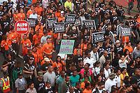 """STO-06. SANTO DOMINGO (REPÚBLICA DOMINICANA), 23/11/2011.- Miles de personas participan en la tercera caminata """"Tolerancia Cero contra la Violencia a la Mujer"""" hoy, miércoles 23 de noviembre de 2011, en Santo Domingo (República Dominicana). La actividad, convocada por la Procuraduría General de la República, se realiza con motivo del """"Día Internacional de la Eliminación Violencia Contra la Mujer"""", declarado por la Organización de las Naciones Unidas para el 25 de noviembre. EFE/Orlando Barría"""