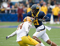 Keenan Allen of California runs the ball after caught a pass from Kevin Riley during the game against ASU at Memorial Stadium in Berkeley, California on October 23rd, 2010.  California defeated Arizona State, 50-17.