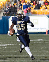 24 November 2007: LeSean McCoy (25)..The South Florida Bulls defeated the Pitt Panthers 48-37 on November 24, 2007 at Heinz Field, Pittsburgh, Pennsylvania.