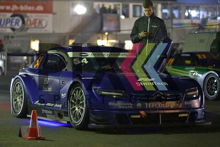 Padborg (DK), 12.09.15, Motorsport, Padborg Supertourisme Night, Danisch Supertourisme Turbo : Jacob S. Kallestrup (Jacob Kallestrup Racing, #54)<br /> <br /> Foto &copy; PIX-Sportfotos *** Foto ist honorarpflichtig! *** Auf Anfrage in hoeherer Qualitaet/Aufloesung. Belegexemplar erbeten. Veroeffentlichung ausschliesslich fuer journalistisch-publizistische Zwecke. For editorial use only.