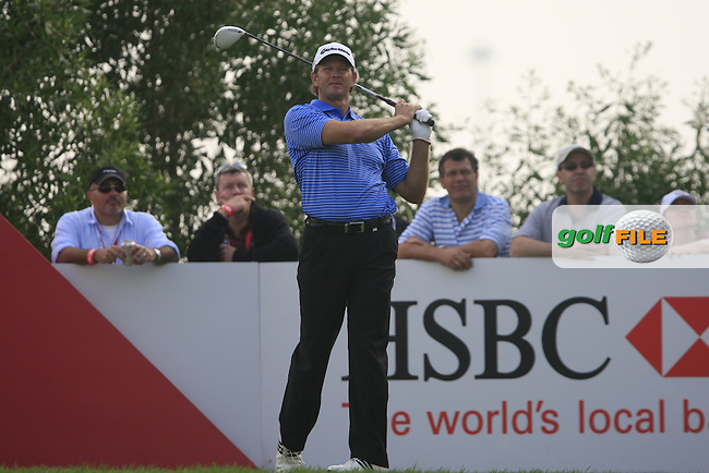 Retief Goosen tees off on the 17th tee during the Final Day Sunday of the Abu Dhabi HSBC Golf Championship, 23rd January 2011..(Picture Eoin Clarke/www.golffile.ie)