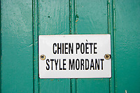 Clos Bagatelle, Chien Poete, Style Mordant - the dog is a poet, biting humour St Chinian. Languedoc. France. Europe.
