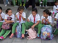 Sch&uuml;ler in WanPing bei MarcoPolo-Br&uuml;cke in Peking, China, Asien<br /> Pupils in Wanping near MarcoPolo-bridge, Beijing, China, Asia